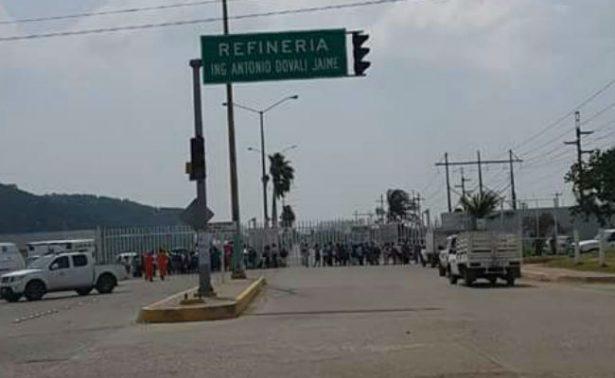 Habitantes de Salina Cruz bloquean refinería