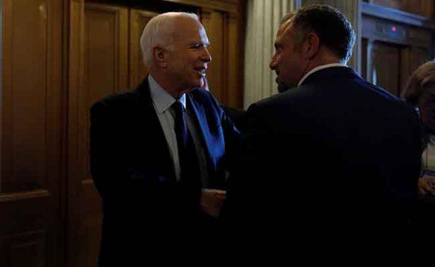 Y no se va el Obamacare: Senado de EU rechaza segundo proyecto para derogarlo