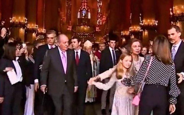 [Video] Tensión entre la reina Letizia y doña Sofía por foto con las infantas