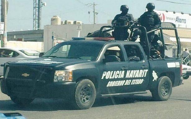 Narcoviolencia en Tepic: dejan tres colgados y narcomanta en un puente