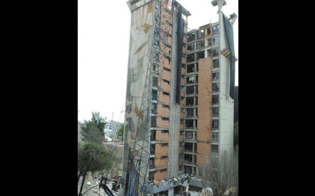 Damnificados enfrentan burocracia; no pueden obtener certificado de reconstrucción