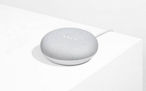 Más pequeño y barato, Google presenta nuevo modelo de altavoz