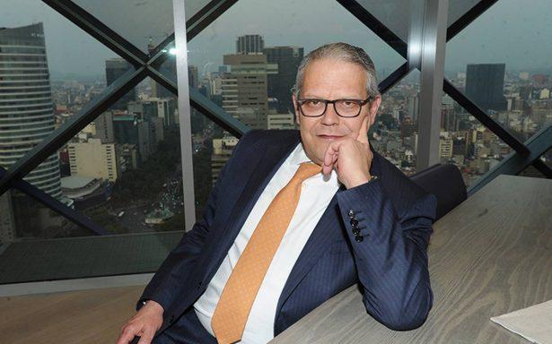Robles Miaja se jubila de Bancomer; Serra Puche tomaría la presidencia