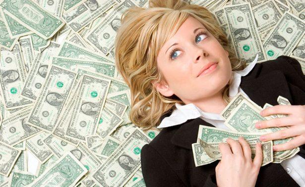 Gastar dinero para comprar tiempo libre contribuye a la felicidad: estudio