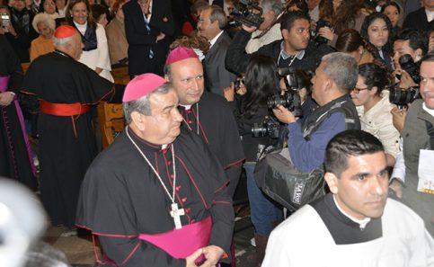 Dan bienvenida alArzobispo Monseñor Don Carlos Gárfias