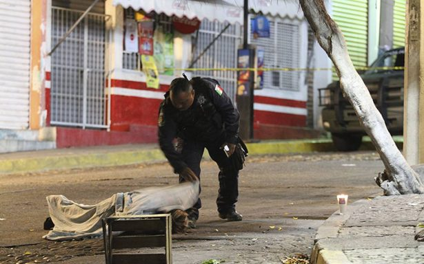 Guerrero refrigera 800 cadáveres sin identificar en Semefo: Fiscalía
