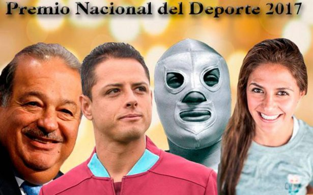 Chicharito Hernández y Slim ganan el Premio Nacional del Deporte