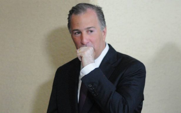 Meade llega al INE para registrar su candidatura a la Presidencia