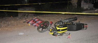 Muere mujer en accidente de moto