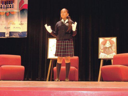 Ganan Concurso de Oratoria dos alumnas de los Apaseos