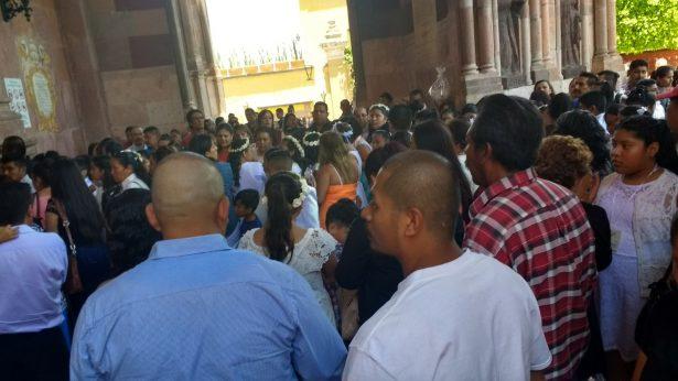 Confirma Obispo a 390 en San Miguel de Allende