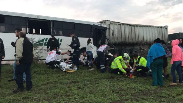 30 lesionados en choque