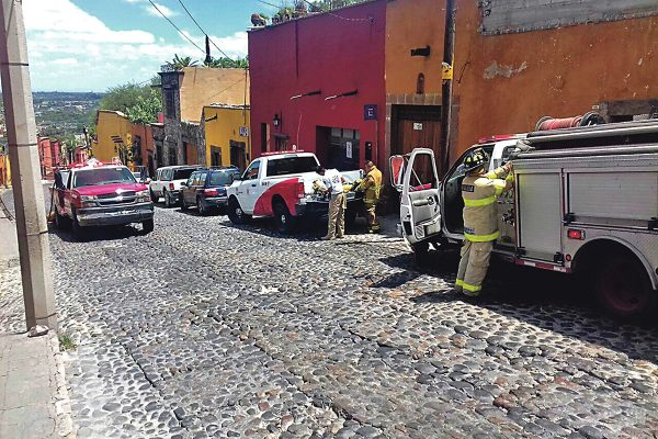 Evacúan a 40 personas  en SMA por fuga de gas