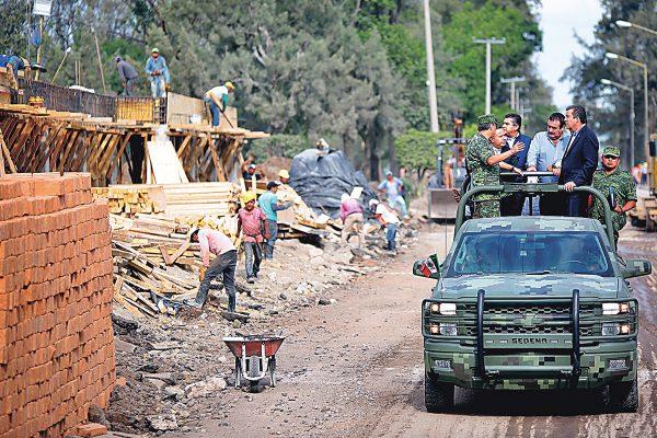 Supervisan avance de la base militar de Irapuato