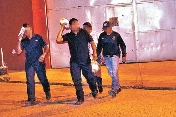Liberan a tres de los cuatro policías acusados de desaparición forzada