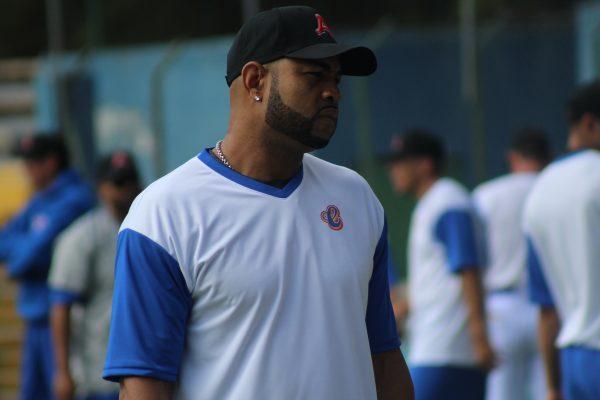Rubén Rivera viene a aportar experiencia a Cajeteros