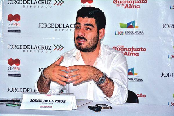 Jorge de la Cruz  reprueba a Lemus