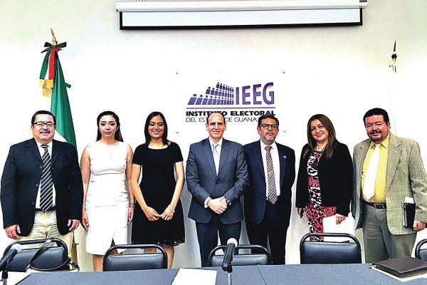Rinden protesta nuevos consejeros del IEEEG