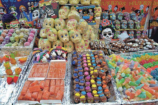 Fomentan tradiciones con Feria del Alfeñique