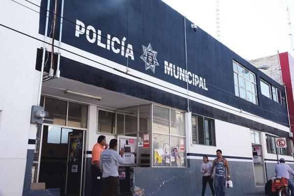 Amaneció muerto en barandilla por causas naturales: Uribe Silva