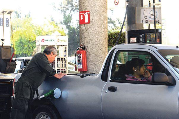 Amenaza, competencia y Profeco, a gasolineras