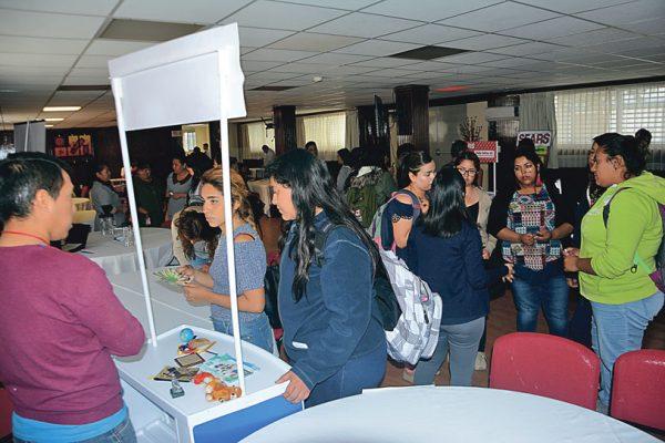 Participaron  15 empresas en la Expoempleo UCA 2017
