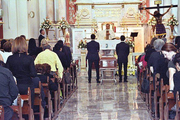 Dieron último adiós a Arturo Nieto Lámbarri