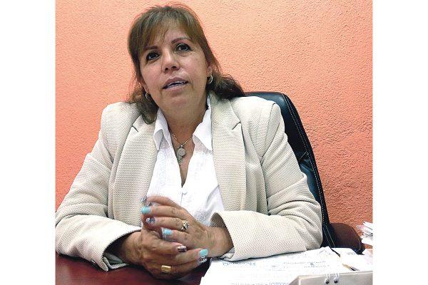 Atiende municipio con becas el rezago educativo