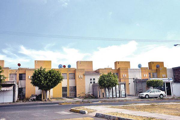 Desincentivan sector inmobiliario: Díaz Barriga
