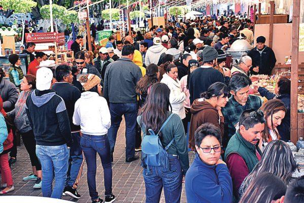 Asisten más de 10 mil al Festival de la Cajeta