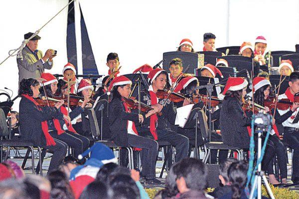 Ofrecen Gala Navideña en Parque Xochipilli