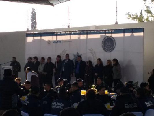 Reconoce alcalde labor de policías