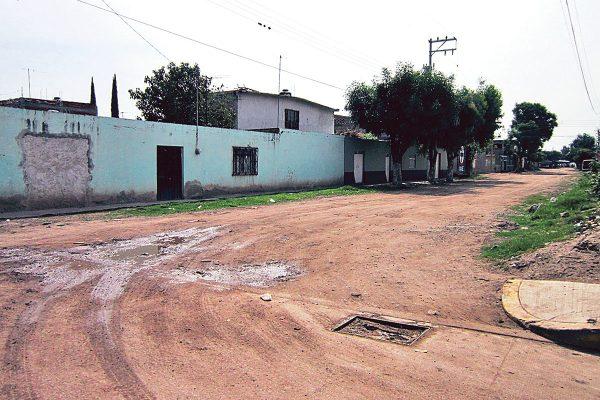 Rehabilitarán drenaje en la comunidad de Roque