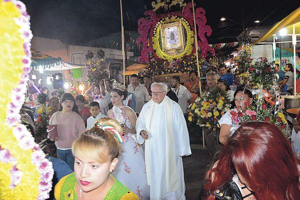 Celebra Tierras Negras a la Virgen de Guadalupe