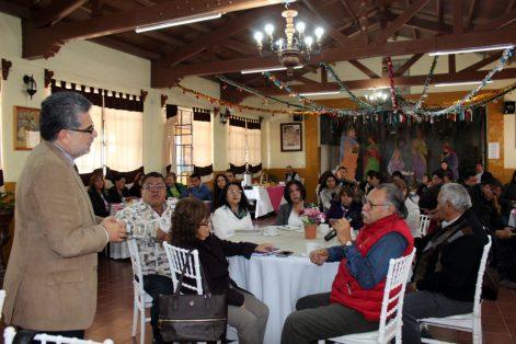 Investigador mexicano en Harvard imparte curso a maestros