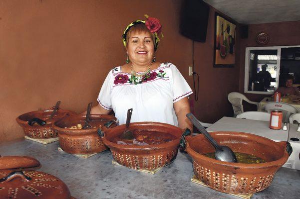Isela Castro, 35 años dedicada a la gastronomía tradicional
