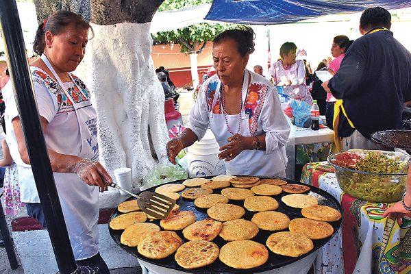 Primer Festival de la Gordita y Pacharela