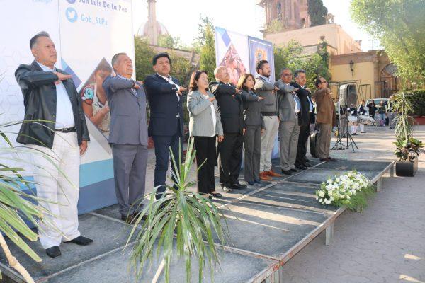 Gobierno y sociedad conmemoran Natalicio de Benito Juárez