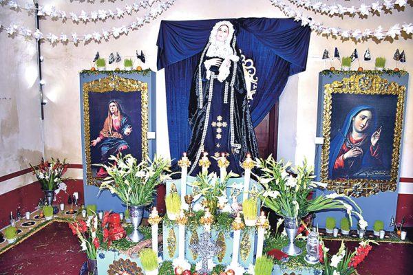 Visitaron a la Virgen de los Dolores en Mausoleo