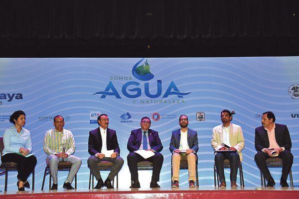 Plantean alternativas para cuidar el agua
