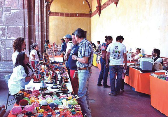 Tiene gran asistencia a la Expo Venta  Artesanal