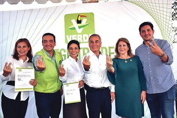 Se registra Ana Laura Hernández por el PVEM