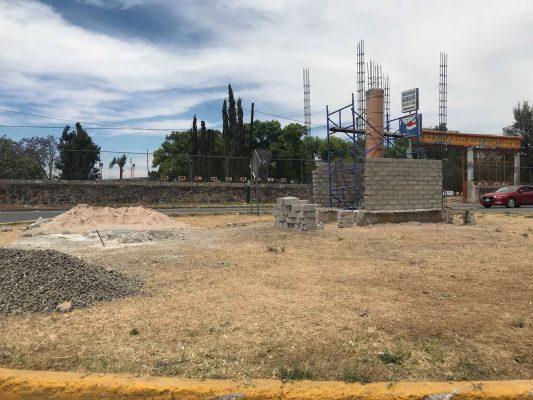 Comienzan trabajos para reubicar estatua de Posadas Ocampo