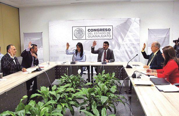 Aprueban en Comisión licencia a 11 diputados