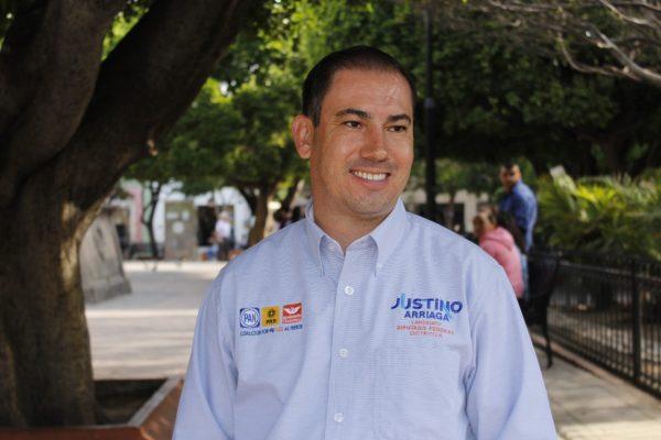 Buscará Justino Arriaga la regulación en la portación de armas
