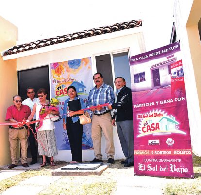 Entregó premios El Sol del Bajío