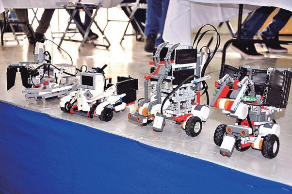 Compiten mañana 450 alumnos en robótica