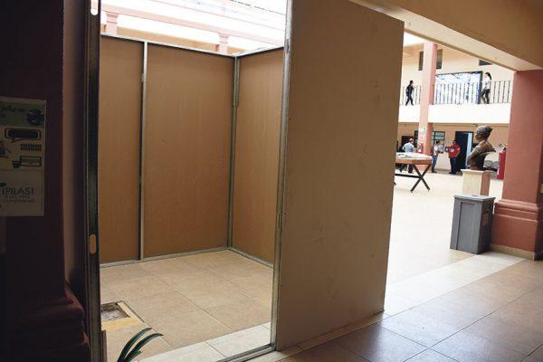 Instalan elevador en la presidencia municipal