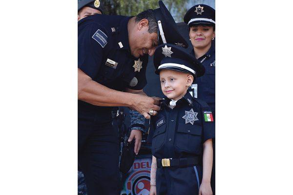 Nombran a Aymee policía honoraria