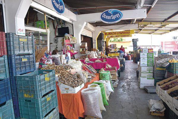 Atiende Mercado de Abastos a cinco mil
